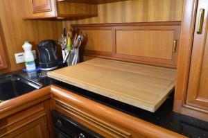 The new hob laminated teak chopping board