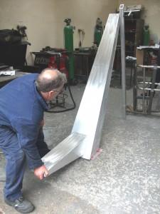 The pony mast begins its fabrication in aluminium